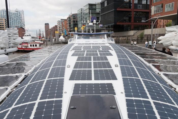 Solarmodule erzeugen Strom aus Sonnenlicht. (Bild: Werner Pluta/Golem.de)