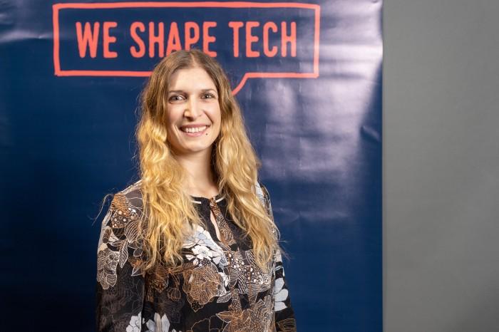 """""""Je weniger mir Leute zutrauen, desto höher ist meine Motivation"""", sagt die Software-Ingenieurin Sarah Ansellem. (Foto: We Shape Tech)"""