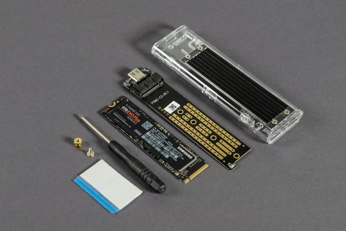 Orico SSD Enclosure TCM2 (Bild: Marc Sauter/Golem.de)