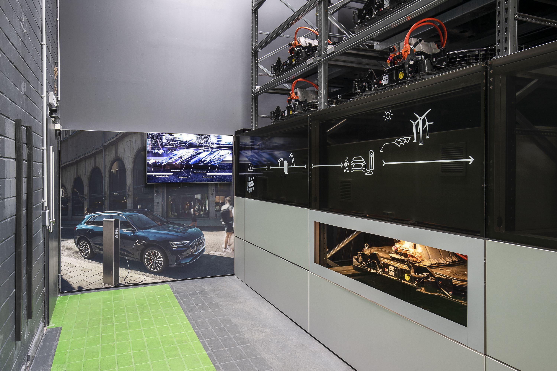 Elektromobilität: Wohin mit den vielen Akkus? - Er besteht aus rund 20 Akkus aus dem E-Tron... (Bild: Audi)