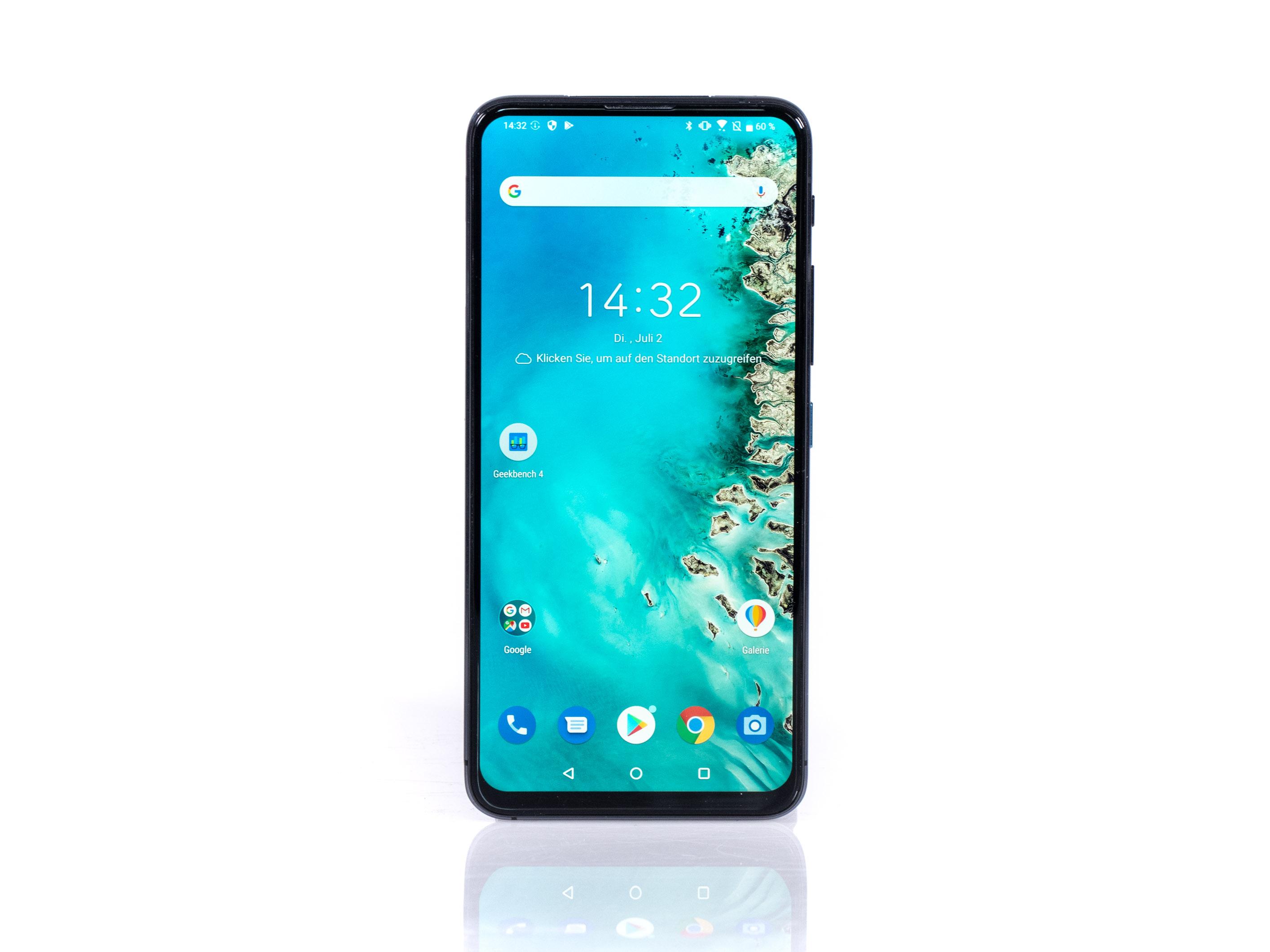 Zenfone 6 im Test: Asus' Ansage an die Smartphone-Konkurrenz - Das Zenfone 6 von Asus hat keine Frontkamera, keine Notch und kein Kameraloch. (Bild: Martin Wolf/Golem.de)
