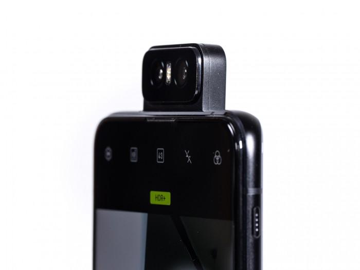 Die Kamera in ausgeklapptem Zustand (Bild: Martin Wolf/Golem.de)