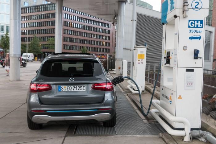 Vorteil der Brennstoffzellenautos: Sie können in wenigen Minuten betankt werden. (Bild: Werner Pluta/Golem.de)