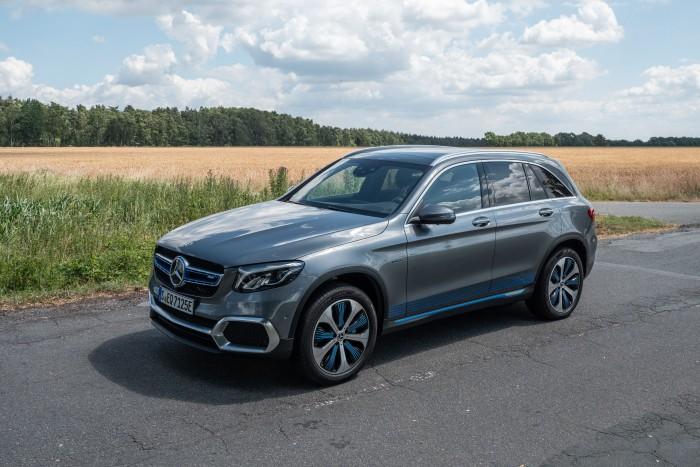 Der Mercedes GLC F-Cell emittiert nur Wasserdampf - ein SUV für das gute Gewissen. (Bild: Martin Wolf/Golem.de)