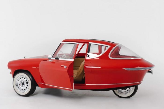 Nobe 100 ist ein dreirädriges Elektroauto im Retrodesign. (Bild: Nobe)