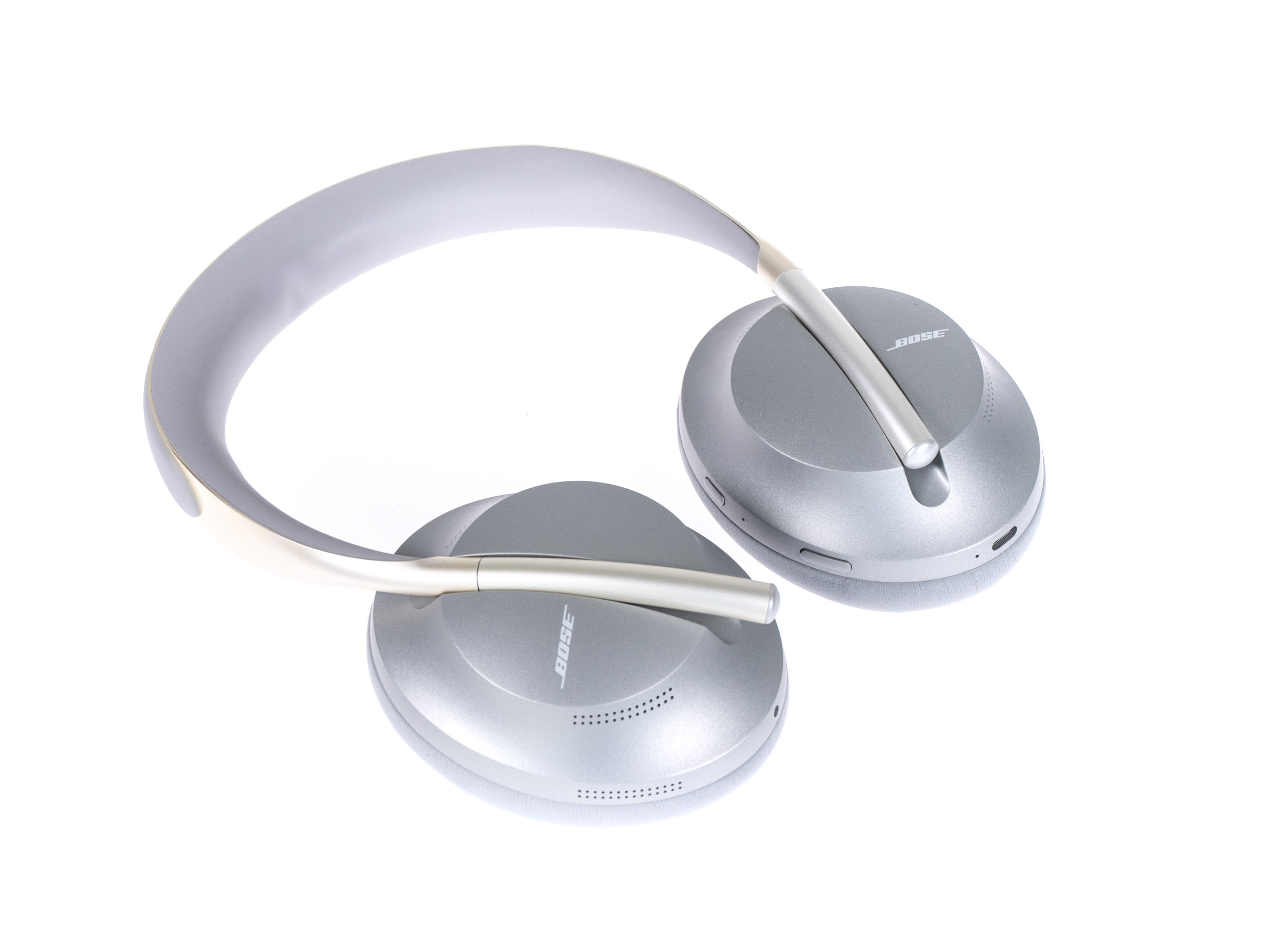 Noise Cancelling Headphones 700 im Test: Boses bester ANC-Kopfhörer sticht Sony vielfach aus - Boses Noise Cancelling Headphones 700 (Bild: Martin Wolf/Golem.de)