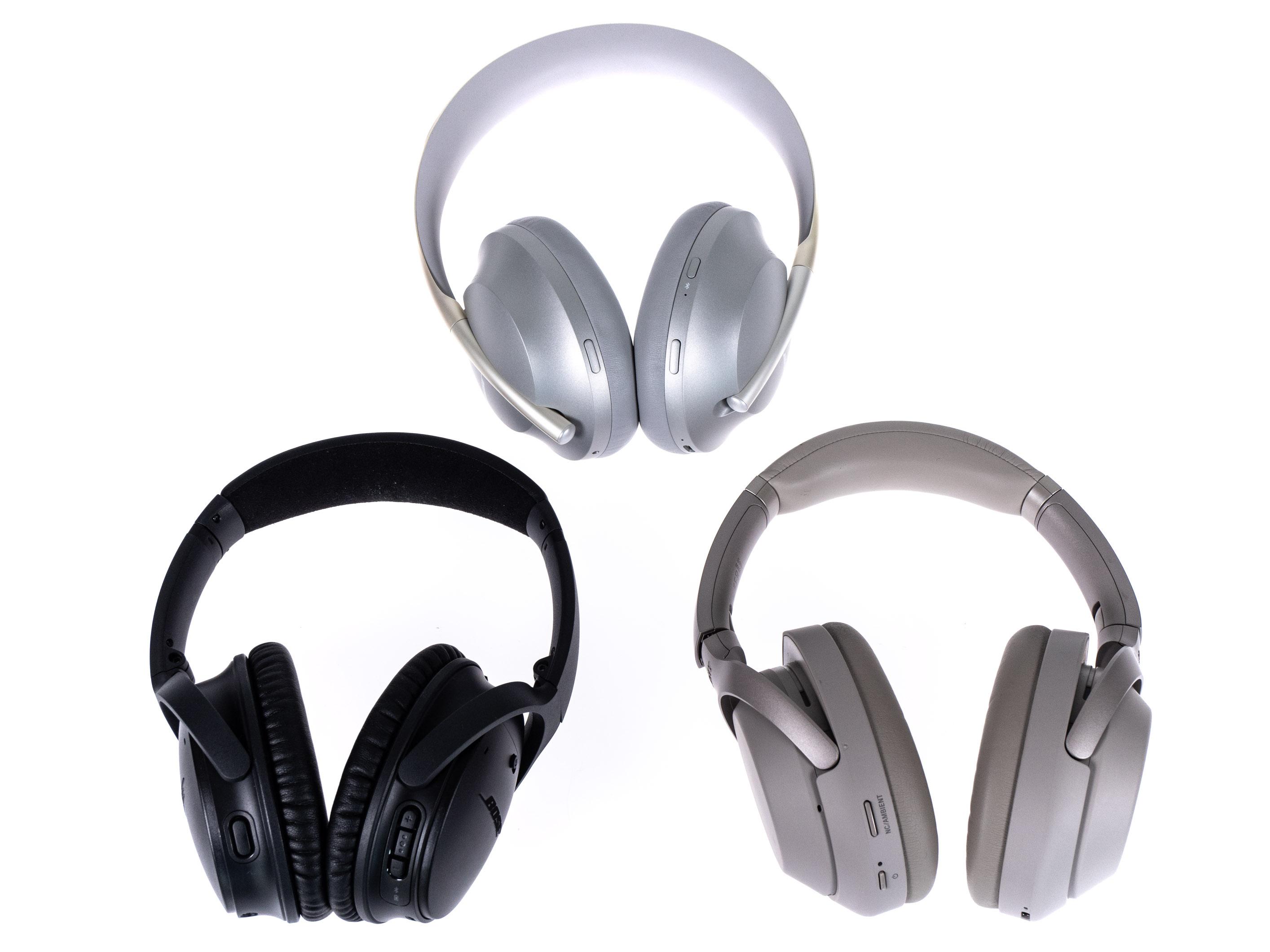 Noise Cancelling Headphones 700 im Test: Boses bester ANC-Kopfhörer sticht Sony vielfach aus - Oben Noise Cancelling Headphones 700, links unten Boses Quiet Comfort 35 II und rechts daneben Sonys WH-1000XM3 (Bild: Martin Wolf/Golem.de)