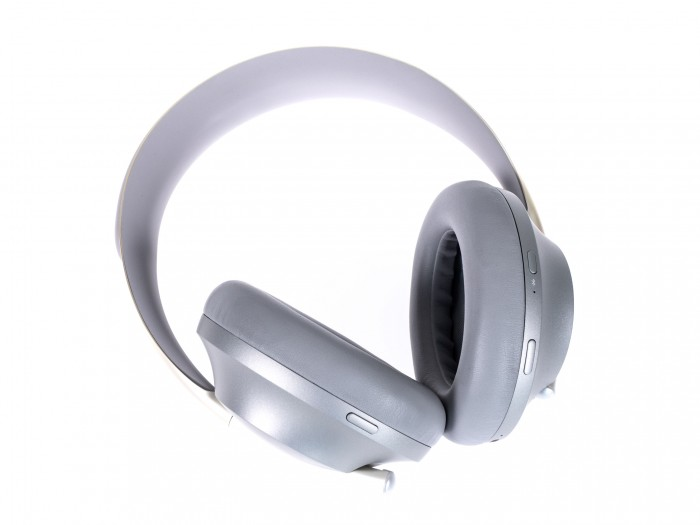 Boses Noise Cancelling Headphones 700 (Bild: Martin Wolf/Golem.de)