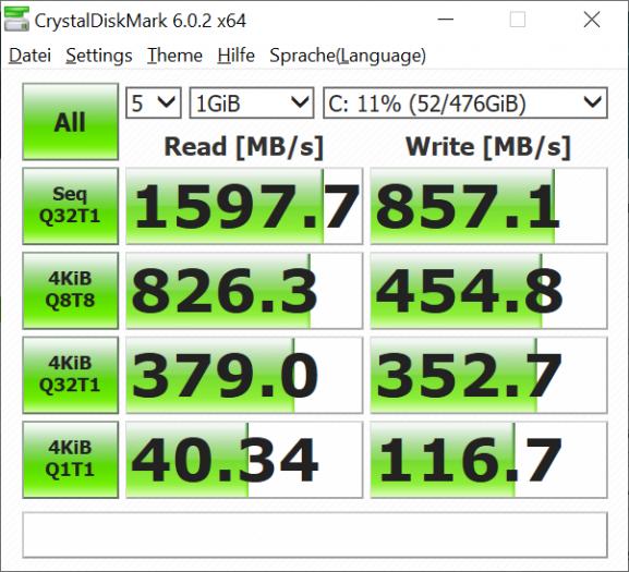 Die SSD von SK Hynix ist ausreichend schnell. (Bild: Oliver Nickel/Golem.de)