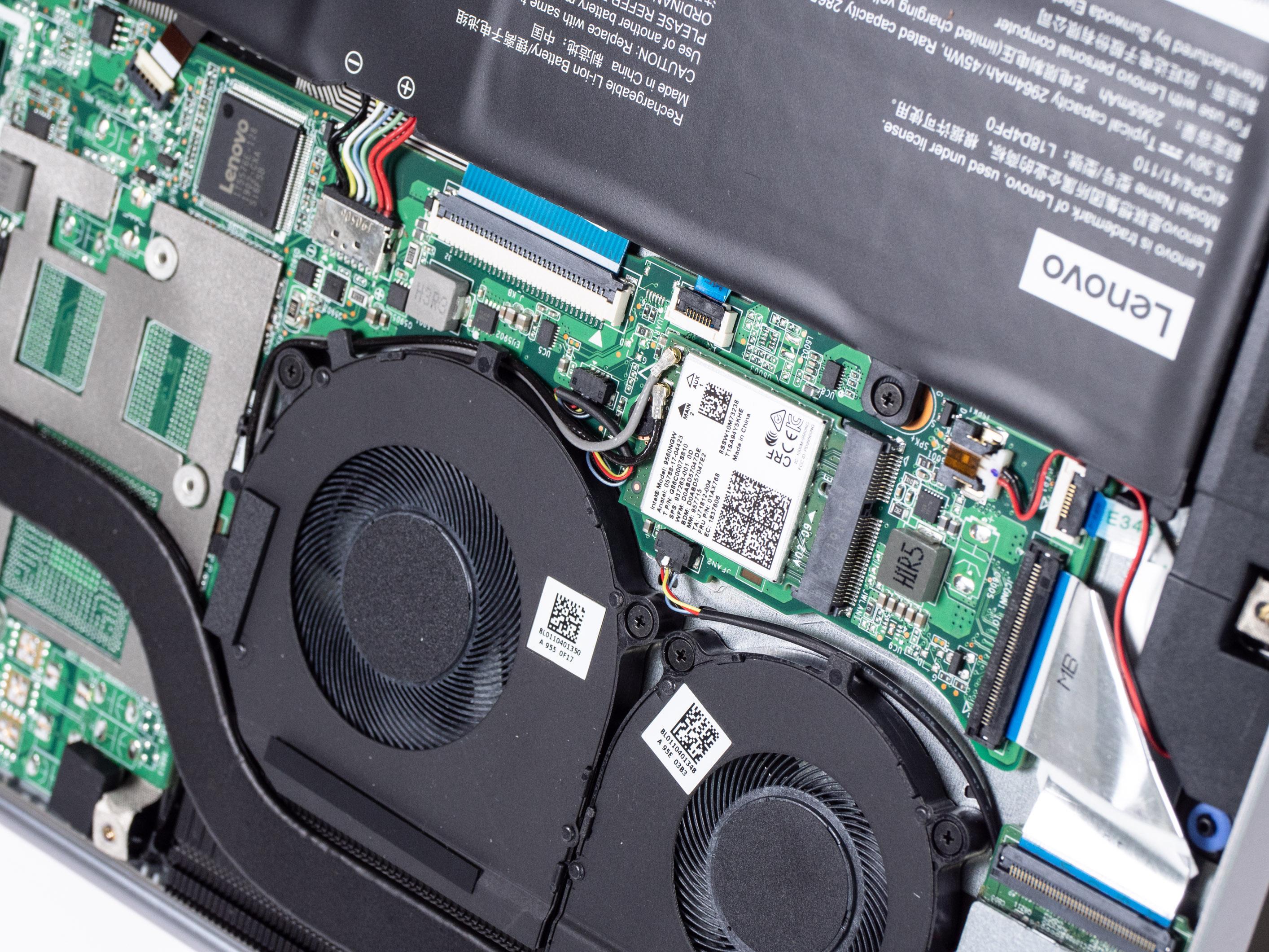 Lenovo Thinkbook 13s im Test: Ein schickes Ultrabook muss nicht teuer sein - Komponenten lassen sich tauschen (Bild: Martin Wolf/Golem.de)