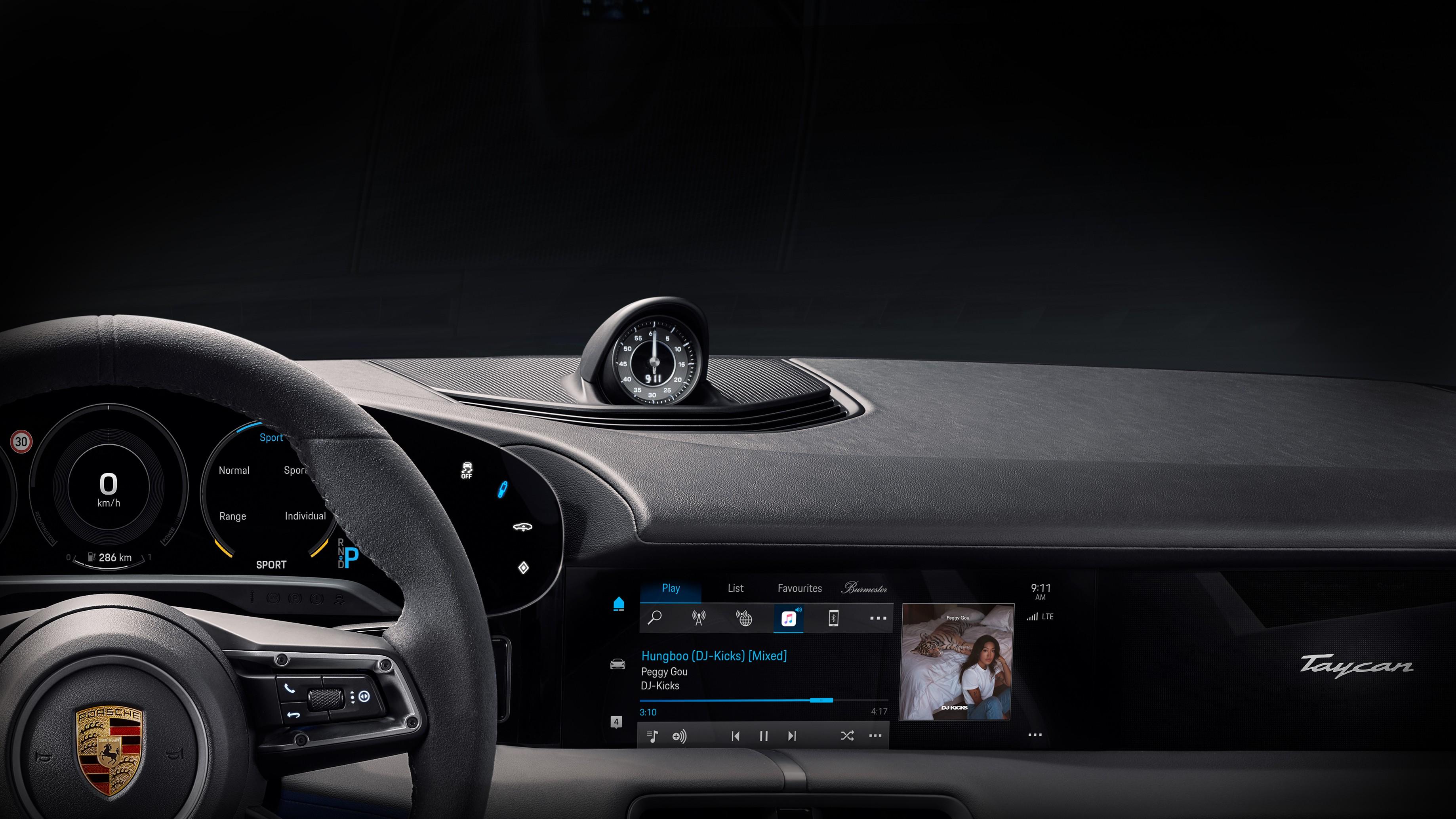Streaming: Apple Music in Porsche Taycan integriert - Armaturenbrett des Porsche Taycan (Bild: Porsche)