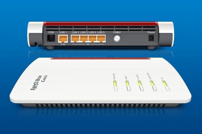 Die AVM Fritzbox 6660 Cable soll gleich vom Start weg mit einem 2,5-Gigabit-LAN-Port kommen. So wird die AX-Geschwindigkeit nicht am LAN-Port ausgebremst. (Bild: AVM Pressefoto)