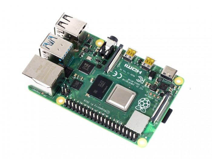 Raspberry Pi 4B(Foto: Martin Wolf/Golem.de)