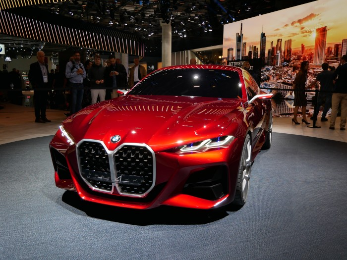 Sehr bullig sieht der BMW Concept 4 aus. (Foto: Dirk Kunde)