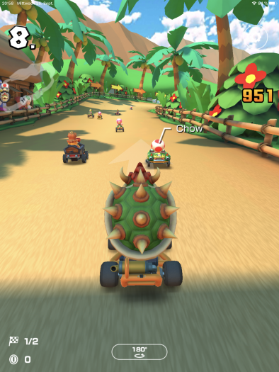Auch mit dem vermeintlich schwerfälligen Bowser überholten wir die KI-Piloten noch problemlos. (Bild: Nintendo/Screenshot: Golem.de)