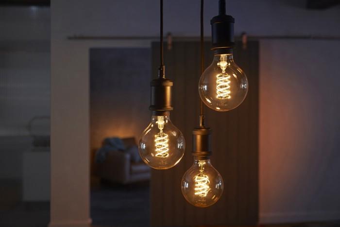 Signify hat eine Reihe von smarten Filament-Lampen vorgestellt. (Bild: Signify)