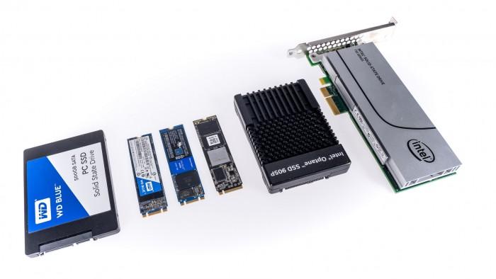 Sata-2.5-Zoll, Sata-M.2, PCIe-x2-M.2, PCIe-x4-M.2, PCIe-x4-U2, AIC (Bild: Martin Wolf/Golem.de)