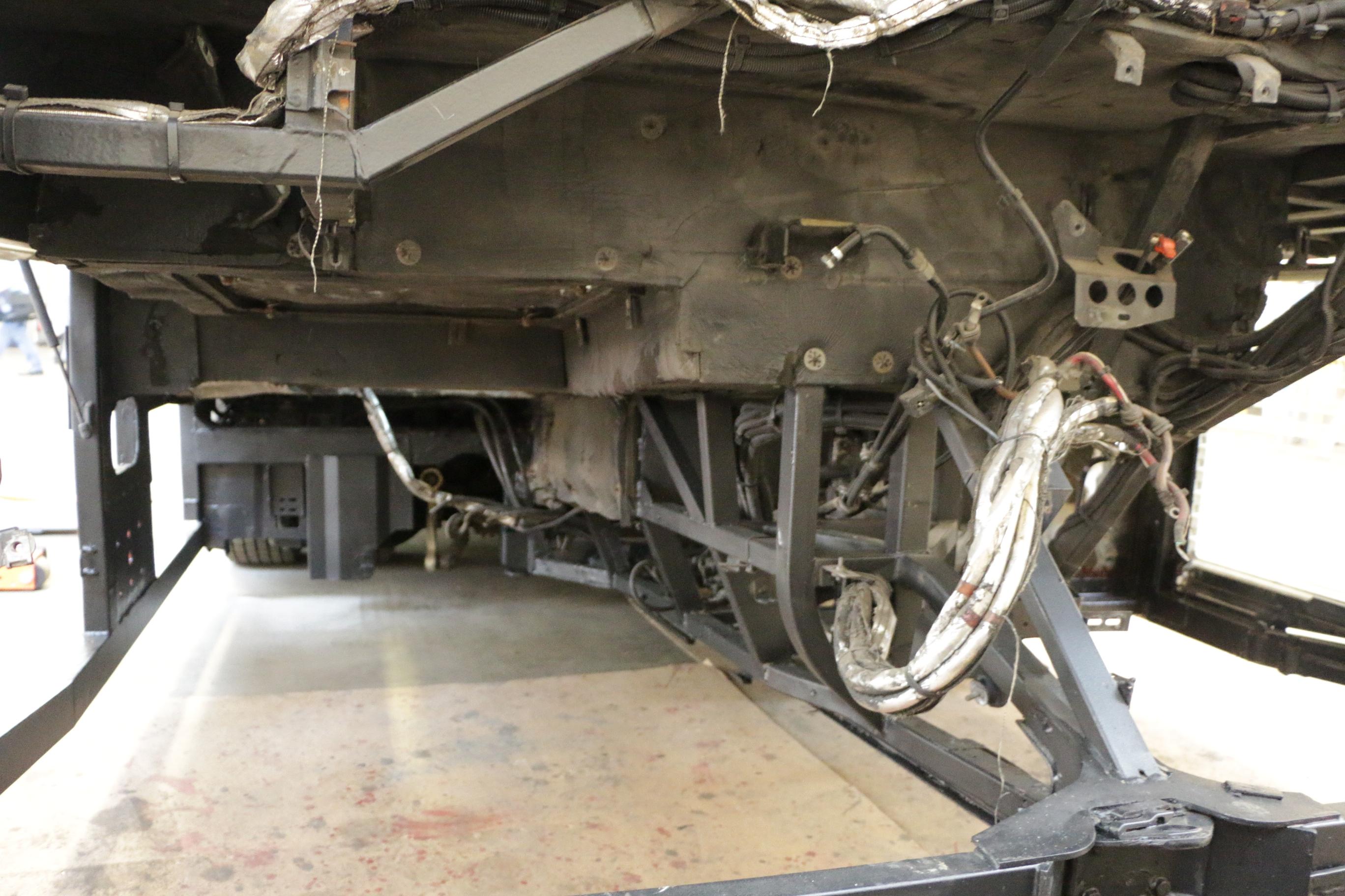 E-Trofit: Der Elektrobus, der sich für einen Diesel hält - Ein entkernter Citaro wartet auf den Einbau der Batterien. (Foto: Friedhelm Greis)