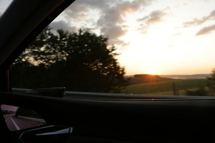 Bei Sonnenaufgang ging es weiter in Richtung Luxemburg. (Foto: Friedhelm Greis/Golem.de)