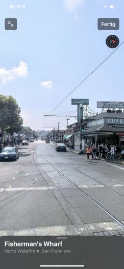 Wir können uns wie bei Googles Street View umschauen. (Screenshot: Golem.de)