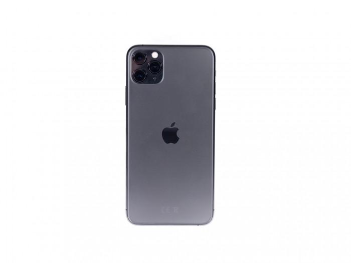 Eines der Highlights des neuen iPhones ist die Dreifachkamera. (Bild: Martin Wolf/Golem.de)
