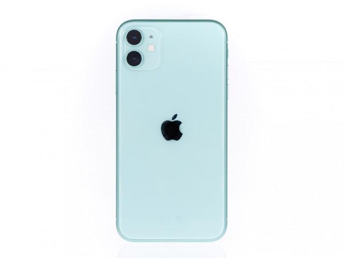 Das iPhone 11 ist in einer Reihe von Farben erhältlich, diese hier nennt Apple Grün. (Bild: Martin Wolf/Golem.de)