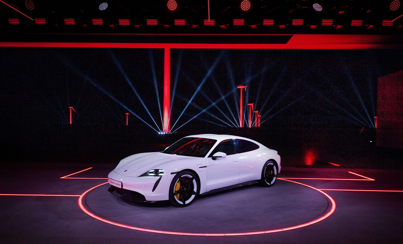 Elektroauto: Porsche stellt den serienreifen Taycan vor - Premiere des Porsche Taycan (Bild: Porsche)
