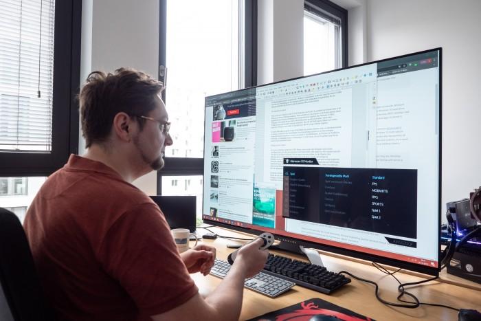 Das On-Screen-Menü ist übersichtlich. (Bild: Martin Wolf/Golem.de)