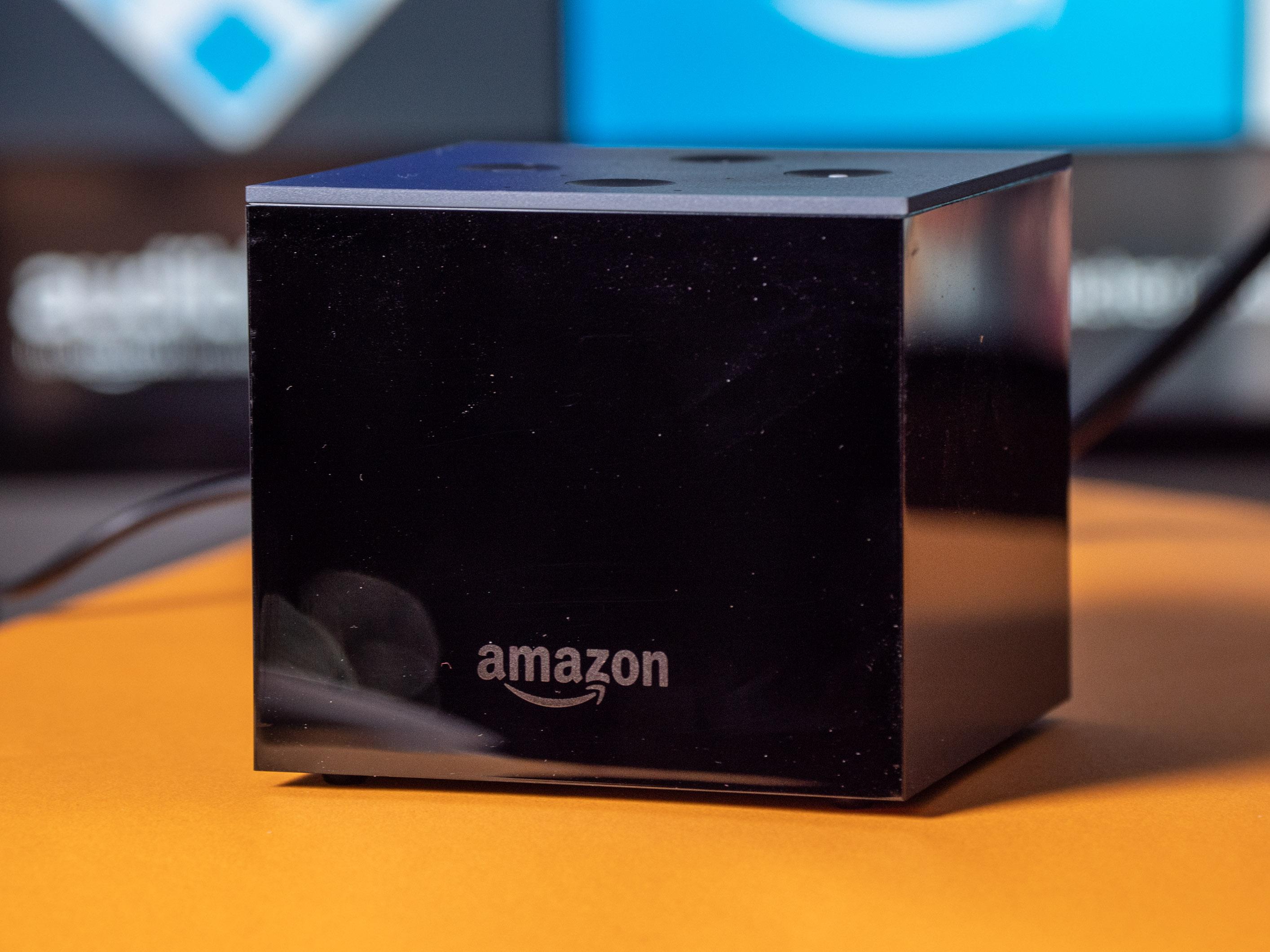 Fire TV Cube im Praxistest: Das beste Fire TV mit fast perfekter Alexa-Sprachsteuerung - Amazons Fire TV Cube ohne aktivierte LED-Kante (Bild: Martin Wolf/Golem.de)