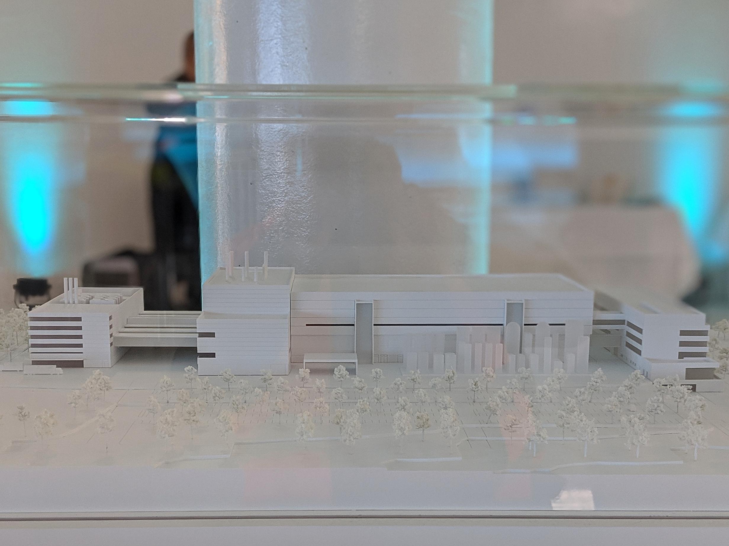 RB300: Ein Blick in Boschs 300-mm-Fab - Miniaturmodell der RB300 (Bild: Marc Sauter/Golem.de)