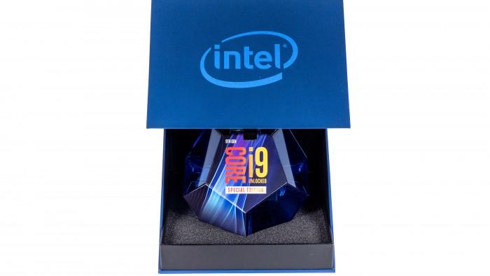 Core i9-9900KS in Retail-Verpackung (Bild: Marc Sauter/Golem.de)