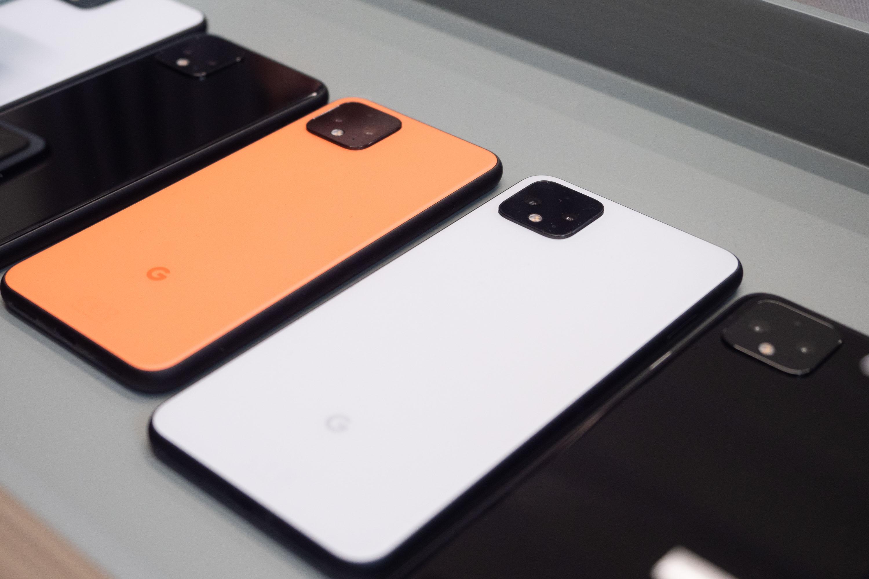 Pixel 4 im Hands on: Neue Pixel mit Dualkamera und Radar-Gesten ab 750 Euro - Die neuen Pixel-Smartphones haben eine Dualkamera. (Bild: Heiko Raschke/Golem.de)