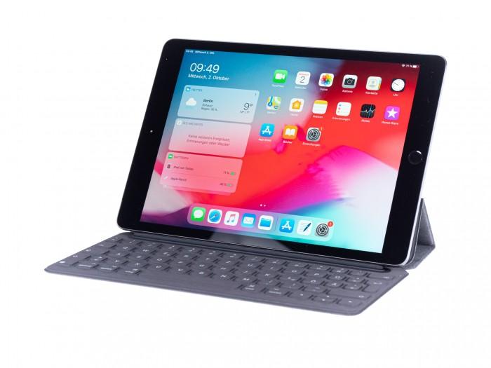 Das iPad 7 unterstützt Apples Smart Cover. (Bild: Martin Wolf/Golem.de)