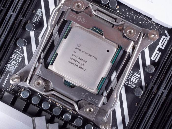 Qualification Sample des Core i9-10980XE (Bild: Martin Wolf/Golem.de)