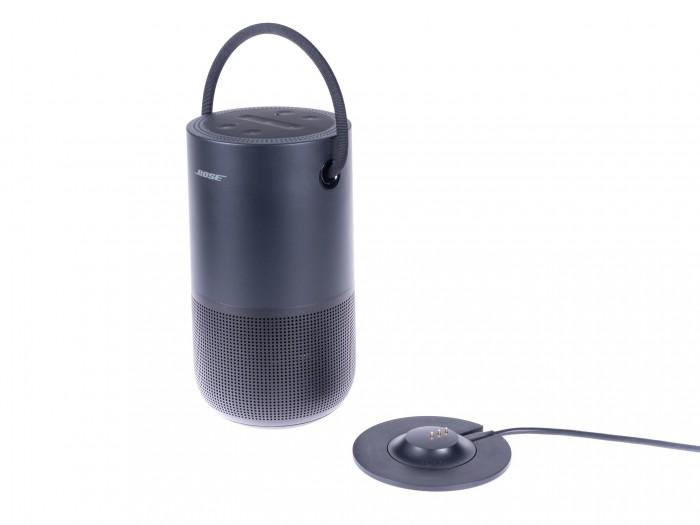 Die Ladeschale gehört leider nicht zum Lieferumfang des Portable Home Speaker. (Bild: Martin Wolf/Golem.de)