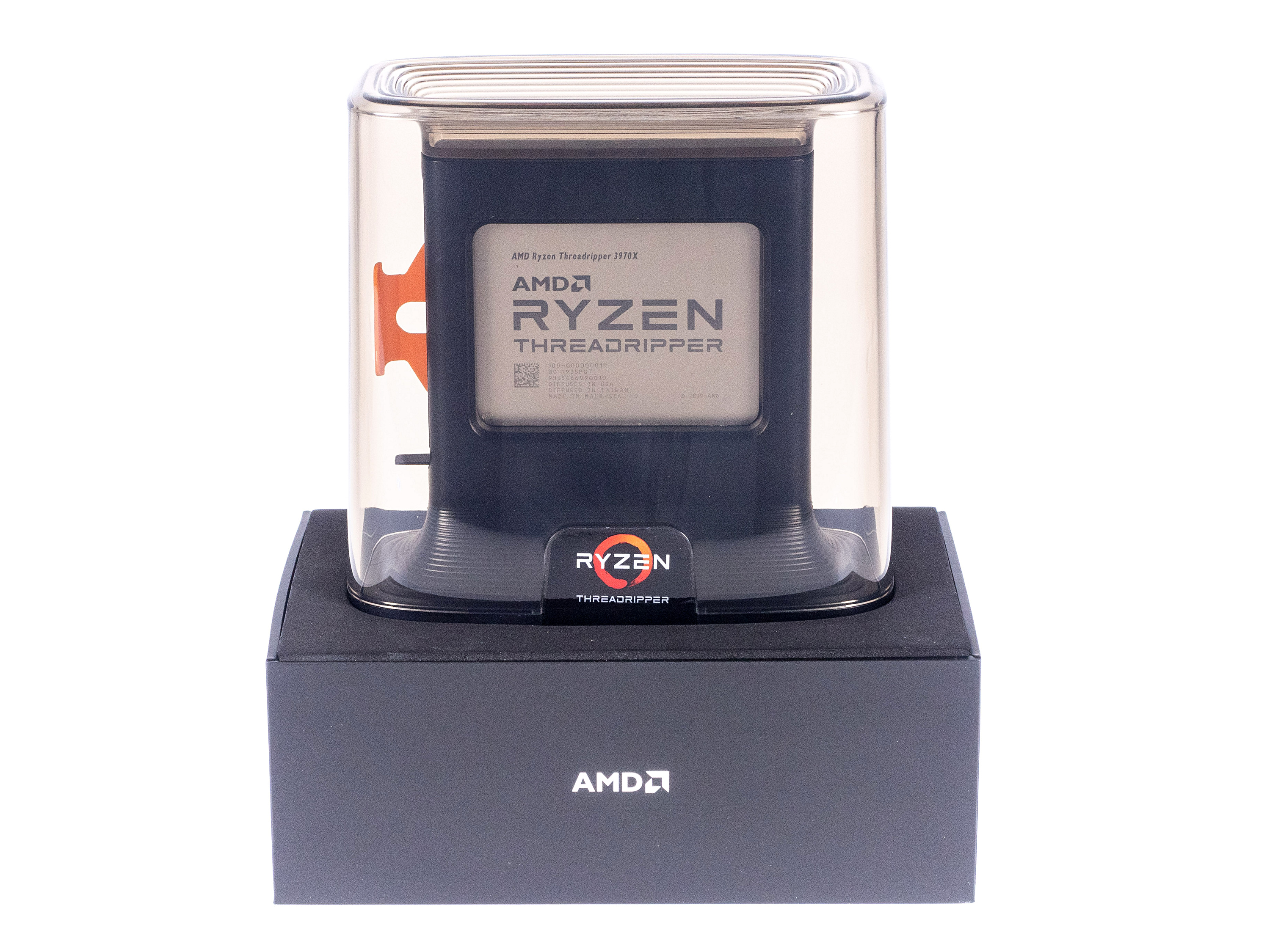 Threadripper 3970X/3960X im Test: AMD wird uneinholbar - Threadripper 3970X (Bild: Marc Sauter/Golem.de)