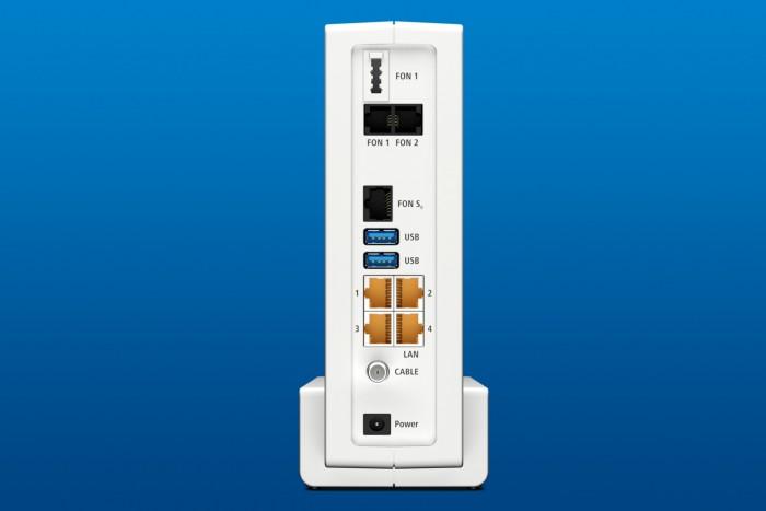 Die Fritzbox 6591 Cable bietet die Standardanschlüsse für LAN, Telefon und USB, sogar 3.0. (Foto: AVM)