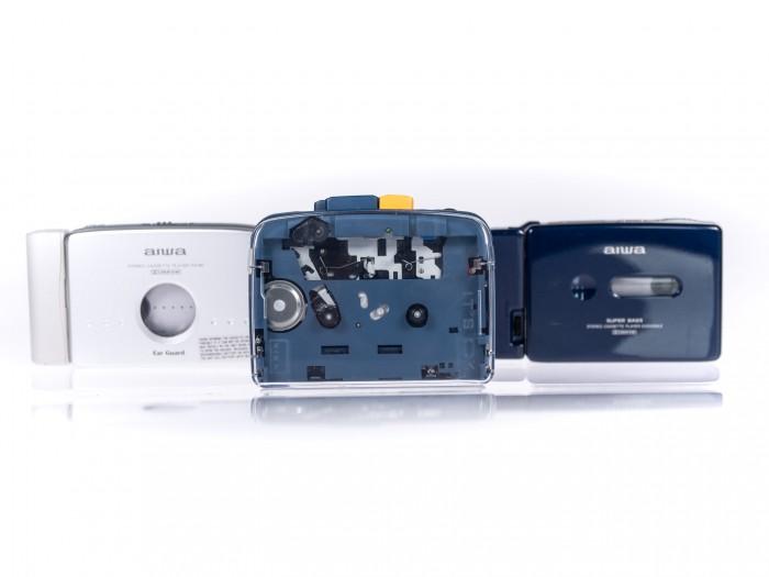 Der It's OK von Nimn in der Mitte, eingerahmt von unseren beiden Vergleichsgeräten von Aiwa (Bild: Martin Wolf/Golem.de)
