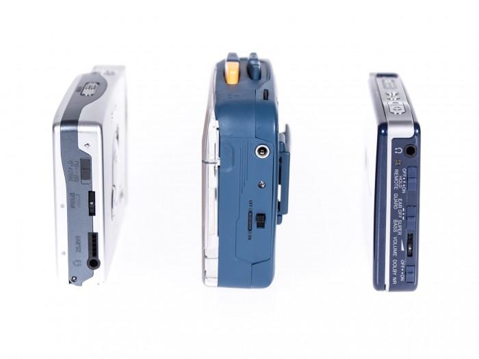 Der It's OK ist wesentlich klobiger als portable Kassettenspieler aus den 1990er Jahren. (Bild: Martin Wolf/Golem.de)