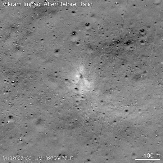 Die Absturzstelle von Vikram ist die helle Stelle im Zentrum mit den schwarzen Strahlen. (Bild: Nasa/Goddard/Arizona State University)