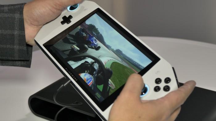 Das Concept Ufo erinnert stark an Nintendos Switch. (Bild: Martin Wolf/Golem.de)