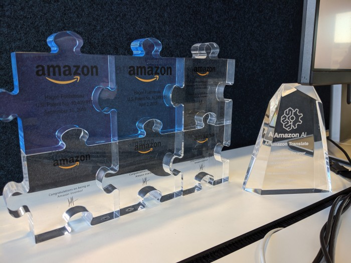In einem Berliner Büro von Amazon: Jedes Puzzleteil steht für ein erteiltes Patent. (Foto: Maja Hoock)
