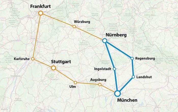 Der Bayernring (blau), den M-net am Mittwoch in Betrieb genommen hat. Der Südwestring (orange) mit zwei Tangenten, die bis Ende 2020 in Betrieb gehen sollen. Zusammen 1.200 Kilometer lang und Quanten-Netz genannt. (M-net)