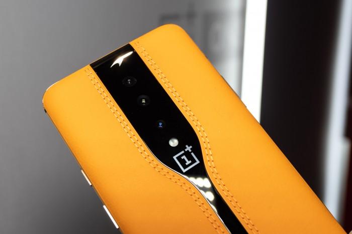 Das Oneplus Concept One hat eine Kameraabdeckung aus elektrochromem Glas, das auf Knopfdruck ...