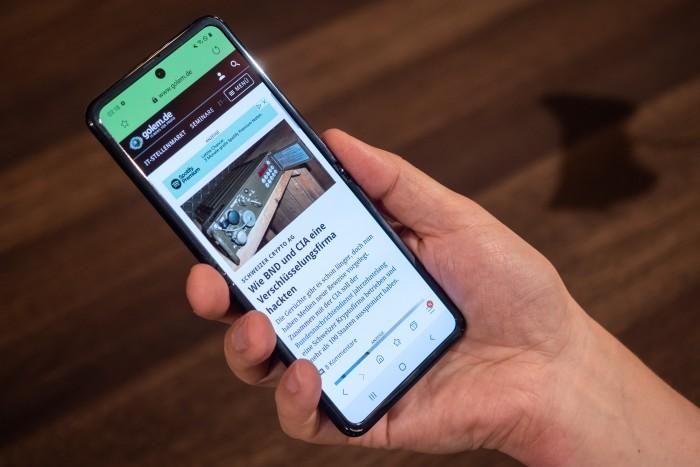Samsung hat das faltbare Smartphone Galaxy Z Flip vorgestellt. (Bild: Martin Wolf/Golem.de)