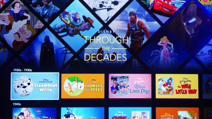 Disney+ in der niederländischen Version - alle Inhalte von Disney+ nach Jahrzehnten sortiert (Bild: Ingo Pakalski/Golem.de)