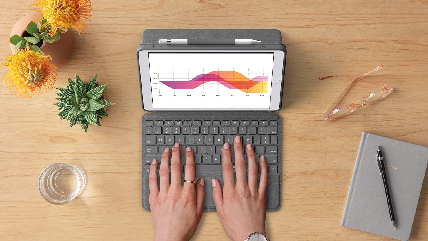 Logitech Combo Touch Case: Abnehmbare Tastatur mit Trackpad für das iPad - Logitech Combo Touch Case (Bild: Logitech)