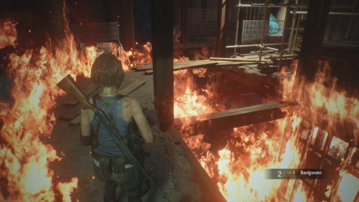 Immer wieder müssen wir als Jill Valentine durch brennende Umgebungen. (Bild: Capcom/Screenshot: Golem.de)