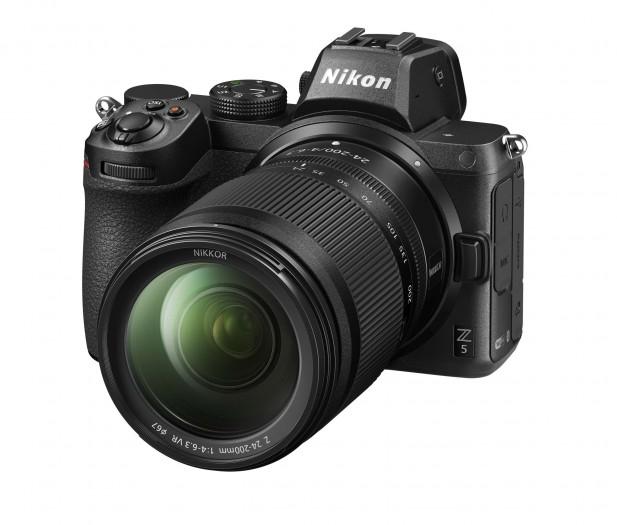 Die neue Nikon Z5 mit Nikkor Z 24-50 mm (Bild: Nikon)