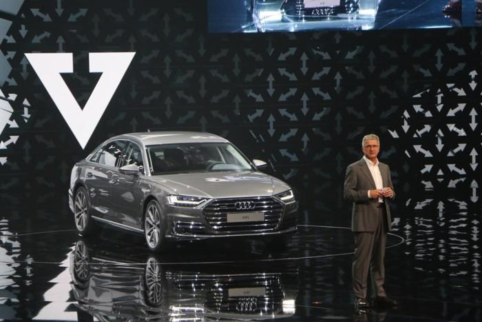 Der damalige Audi-Chef Rupert Stadler präsentierte 2017 sein neues Vorzeigemodell in Barcelona.  (Foto: Friedhelm Greis)